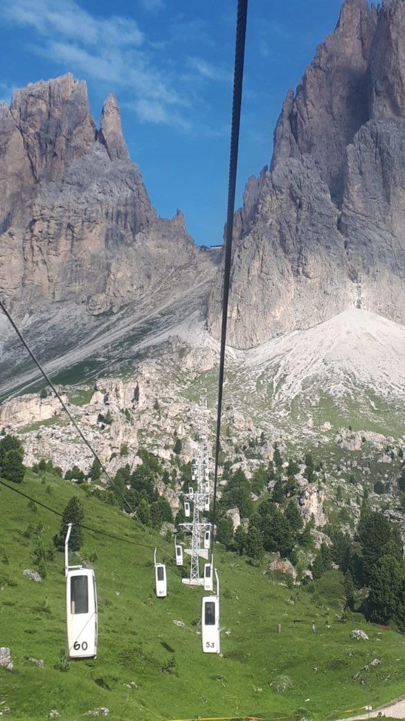 Kabinová lanovka vedoucí k Langkofelscharte