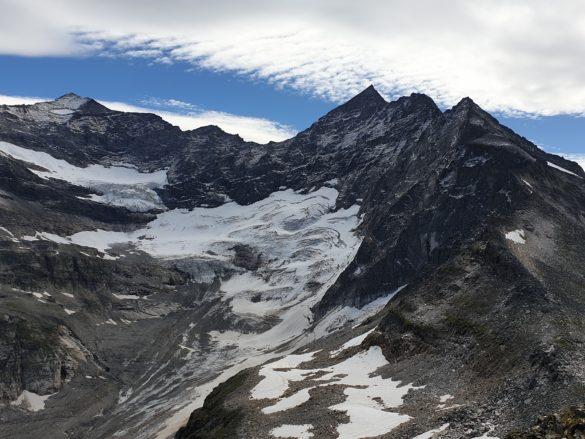 Ledovec Odenwinkelkees, nad ním Eiskögele