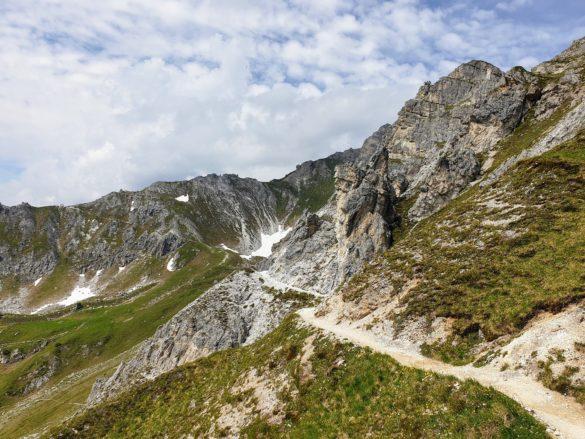 Cesta pod vrcholy Burgstallu