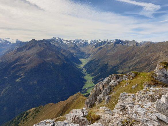 Pohled ze Starkenburger Hütte do Oberbergtal