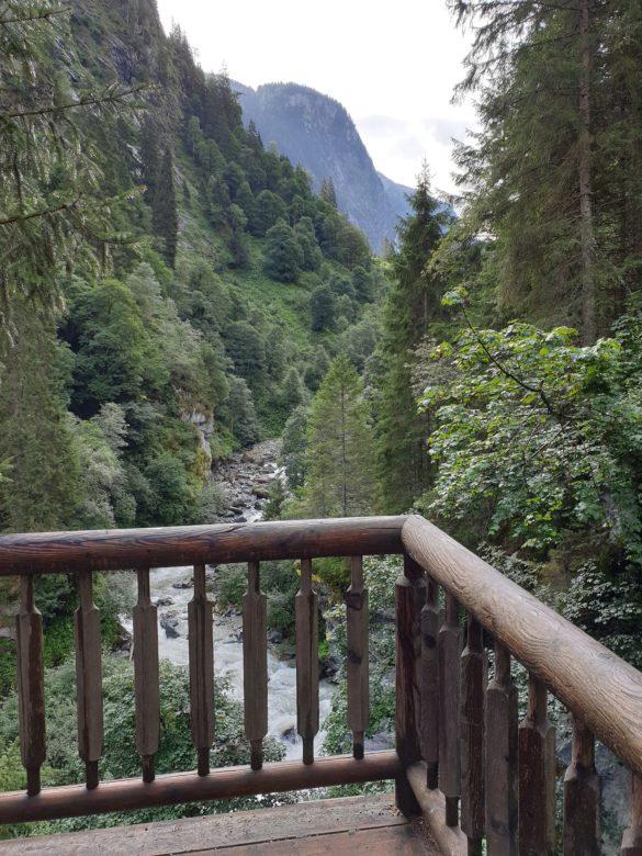 Vyhlídková plošina nad potokem Habach